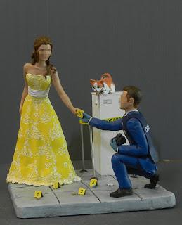 Sposini torta nuziale cosplayer sposa abito giallo top cake milano orme magiche