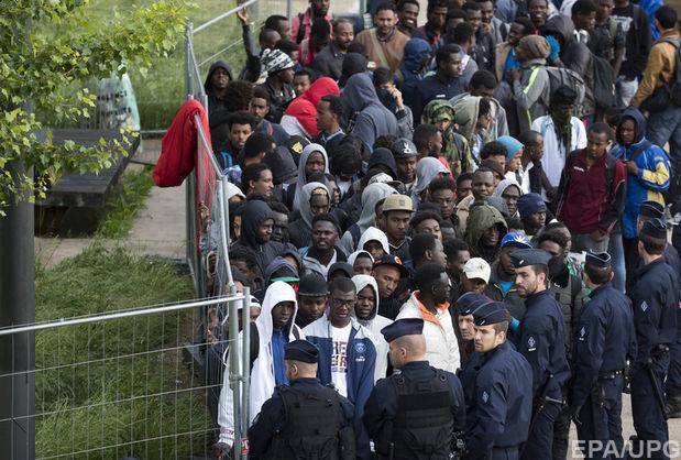 У Парижі поліція ліквідувала найбільший табір мігрантів