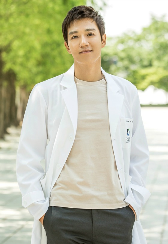 Somebody Call The Doctor: K-Actors Who Play TV Doctors Oh So