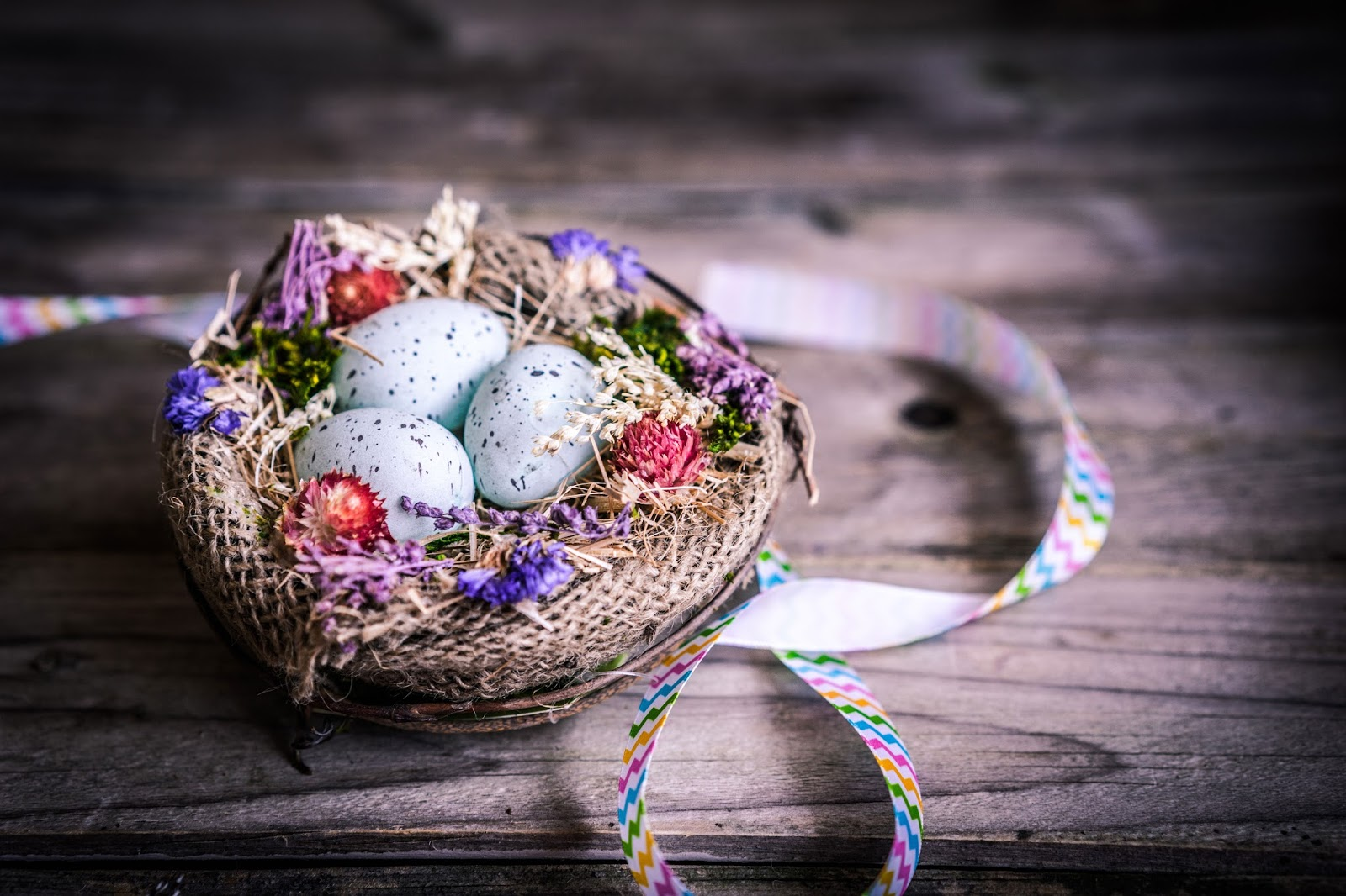 Beautiful Easter egg basket wallpapers and pictures