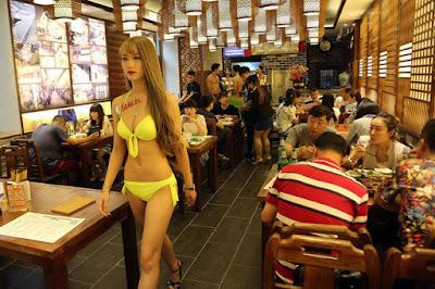 Berkat Bikini Restoran di China menjadi Terkenal