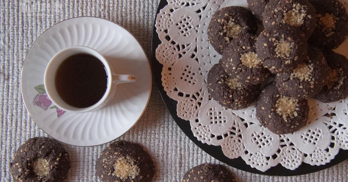 Biscotti integrali al cacao e sesamo