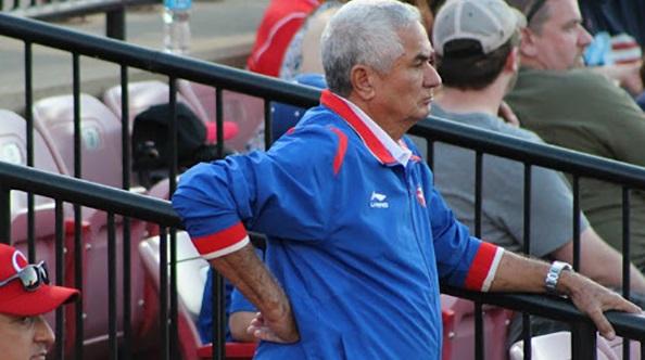 Aunque todavía parece una quimera, Cuba pretende acoger una Serie del Caribe en el futuro cercano, aseguró hoy Higinio Vélez, presidente de la Federación Cubana de Béisbol.