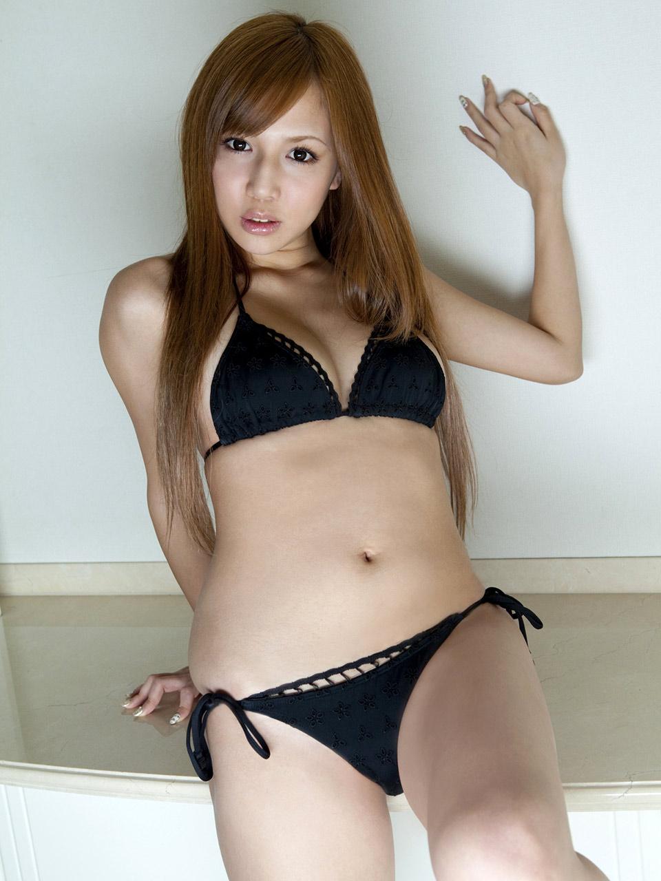 manami marutaka sexy bikini pics 03