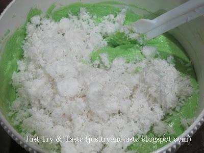 Resep Cake Kukus Kelapa Pandan JTT