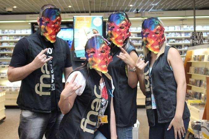 FNAC distribui máscaras do Metallica