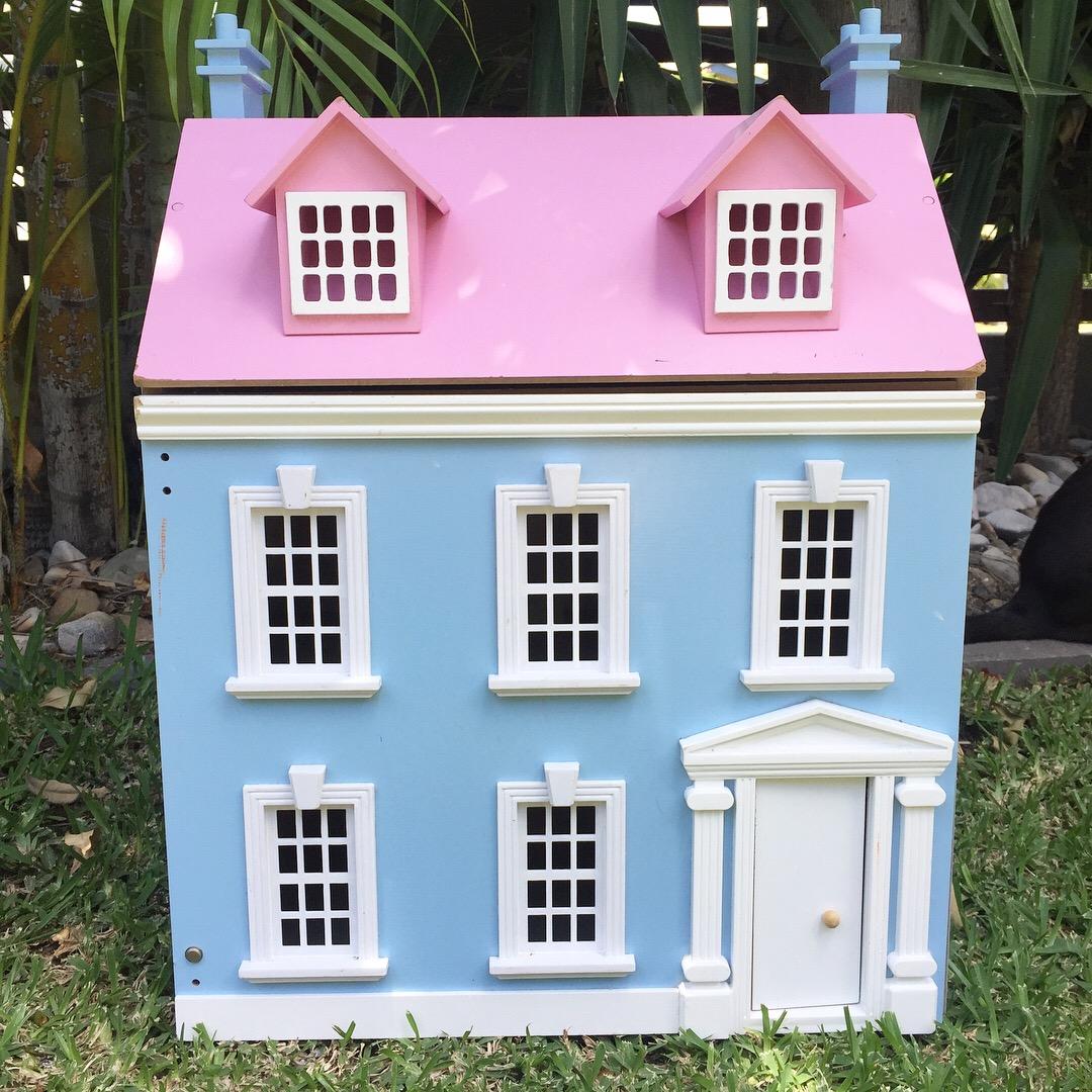 Modern Dollhouse DIY on Feedspot - Rss Feed
