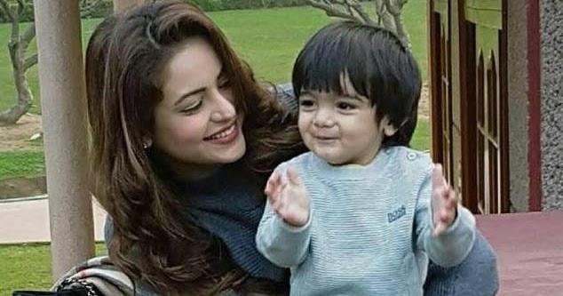 Aamna Sharif son, husband, mother name, Wedding, Husband ...Aamna Sharif Real Life Marriage Photos