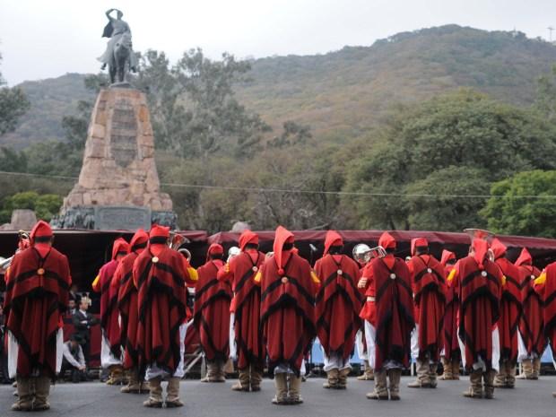 17 de junio desfile güemes