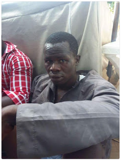 Photos men nabbed in abuja while trying to change fake naira notes into dollars welcome to - How do bureau de change make money ...