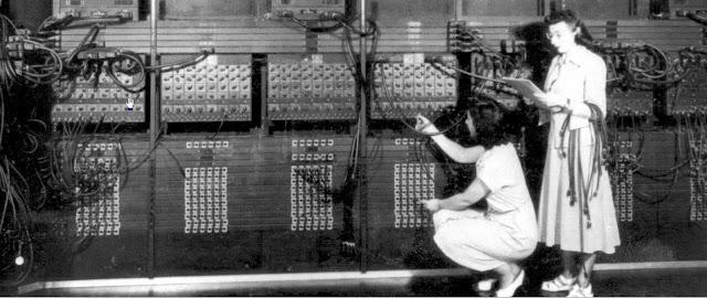 ENIAC, desenvolvido nos EUA
