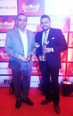 Mr. Ketan Chokshi of Narayan Jewellers with his Father Mr. Narendra Chokshi at Retail Jeweller India Awards 2016-