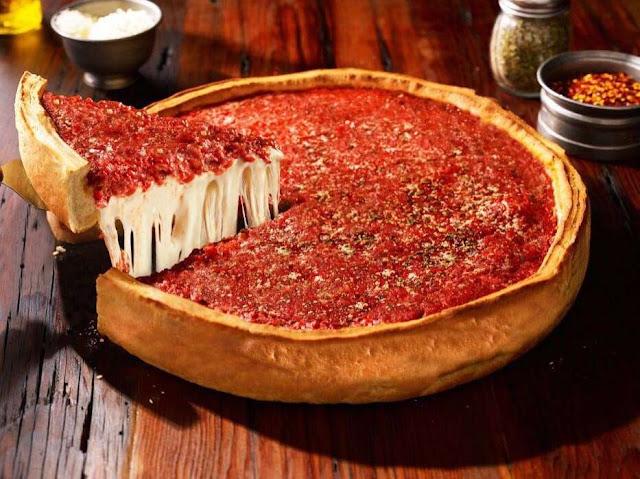 Pizza estufada da  Giordano's em Orlando