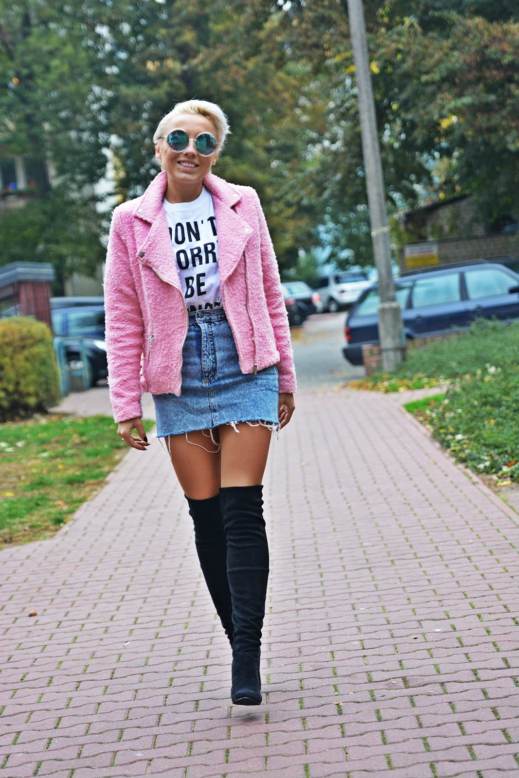 jeansowa_spodnica_rozowa_ramoneska_karyn_19