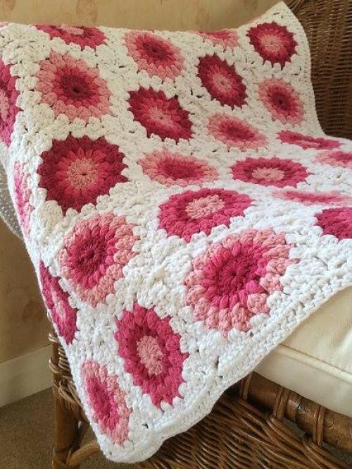 Sunburst Granny Squares - Free Pattern