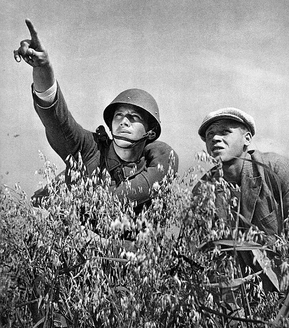 WW2 Czech soldier pointing to the sky