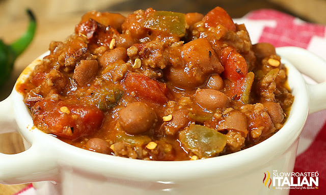 http://www.theslowroasteditalian.com/2015/02/5-ingredient-lazy-day-chili-recipe.html