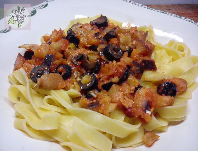 Pasta con Berenjena a la Siciliana.