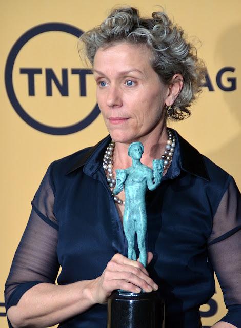 """Man arrested for stealing #Oscars Best Actress winner's """"golden man"""""""