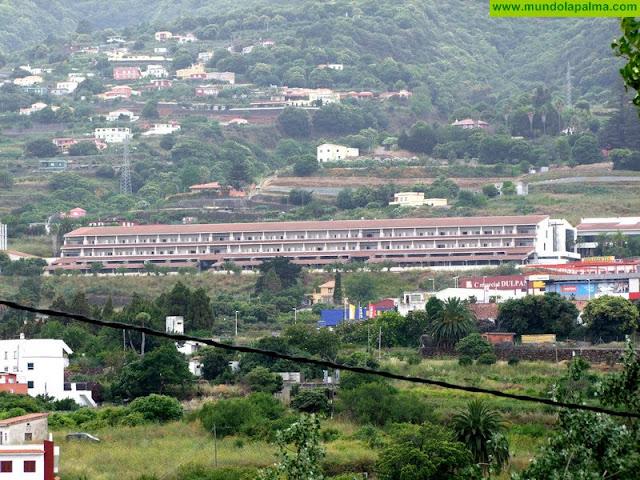 Sanidad dota de nuevas camas, camillas y maletines de urgencias a los centros del Área de Salud de La Palma
