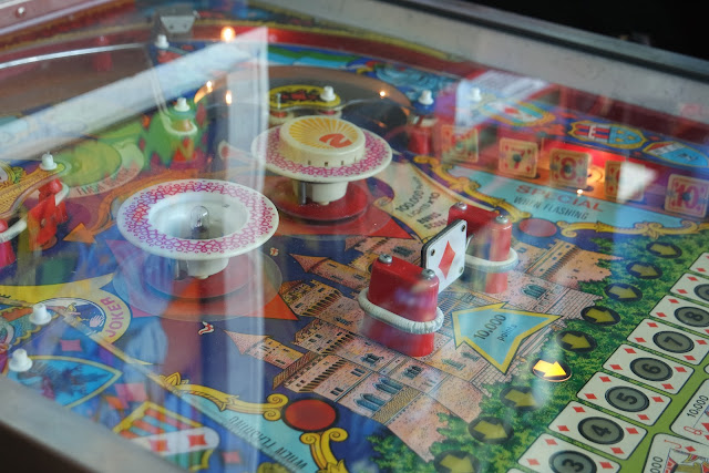 an old fashioned pinball machine