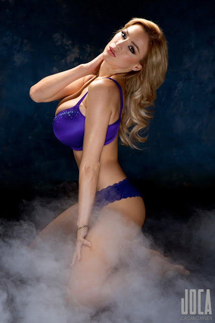 Jordan-Carver-WWL-Photo-Shoot-in-Hot-Blue-Bikini-HD-Picture-8