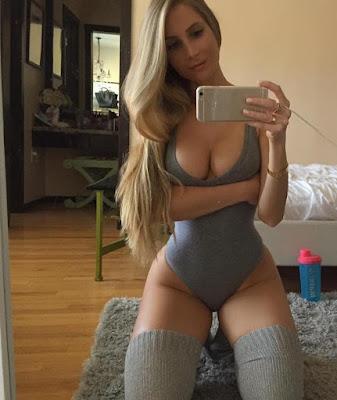 Foto cewek selfie seksi