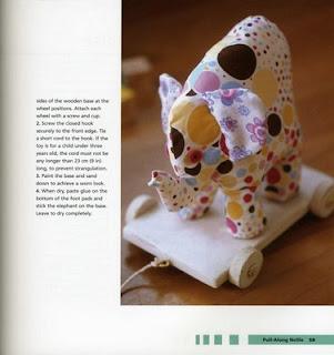 Toys059 - Elefante em tecido