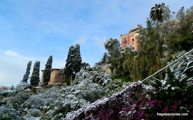 Neve em Taormina, Sicília, Itália