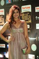 Telugu Actress Aarthi in Deep Neck Backless Golden Gown at IIFA Utsavam Awards 2017 Exclusive 46.JPG