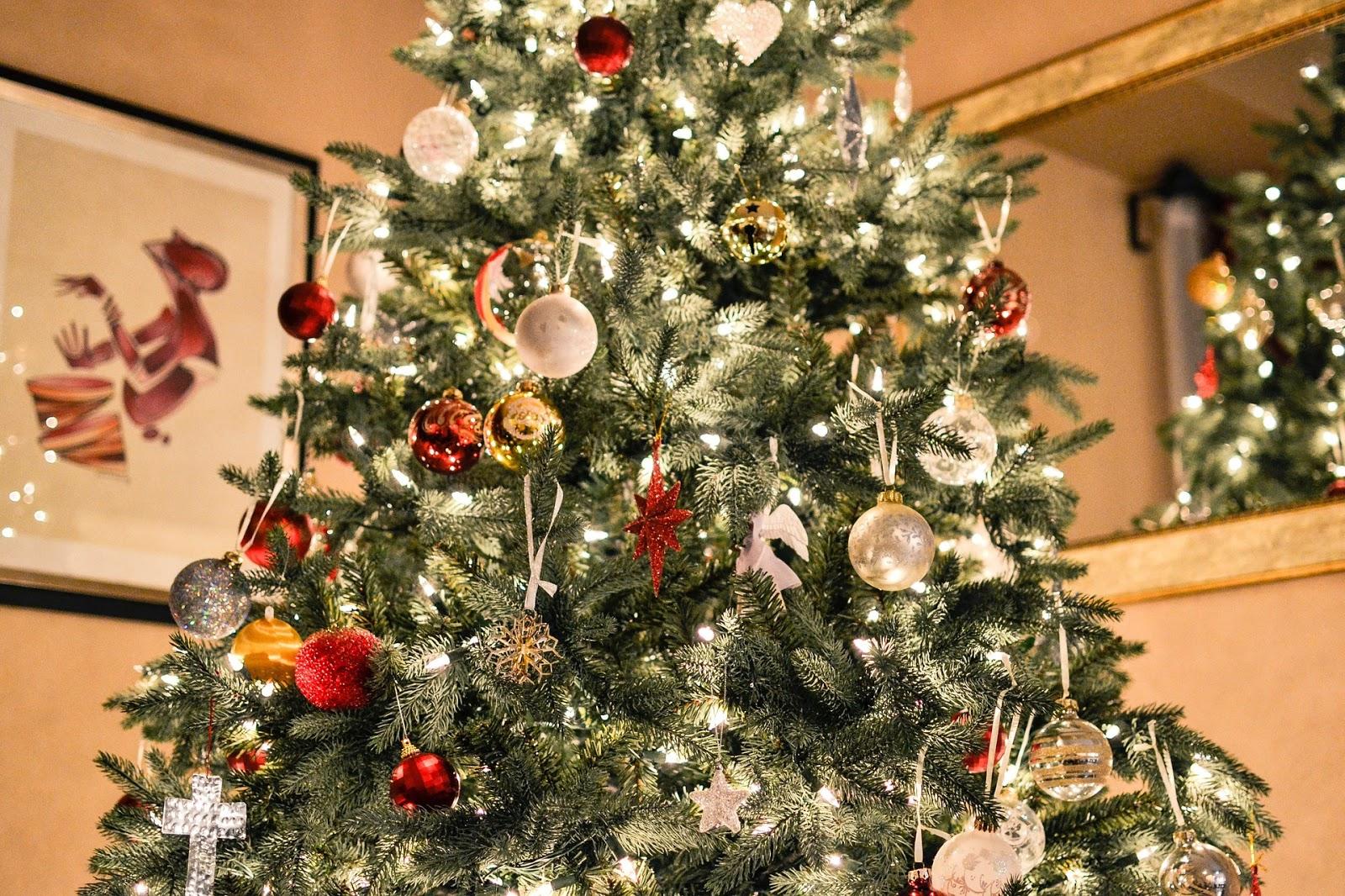 Künstlicher Weihnachtsbaum Wie Echt.Künstlicher Weihnachtsbaum Test Diese Tannenbäume Sehen Aus Wie Echt