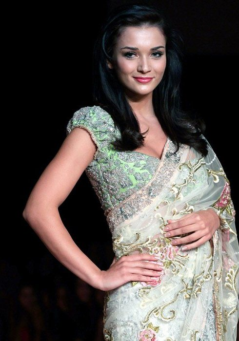 Amy Jackson gorgeous in Saree