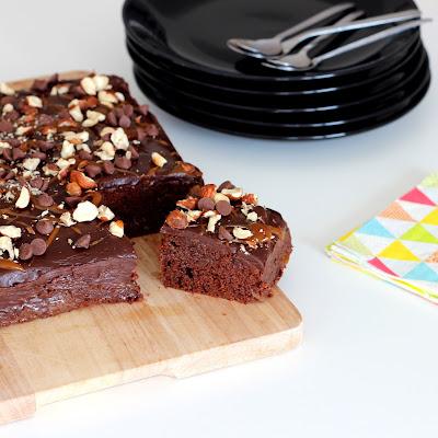 Illustration Poke Cake Chocolat & Confiture de Lait