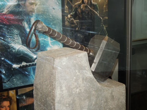 hollywood movie costumes and props original thor the dark world