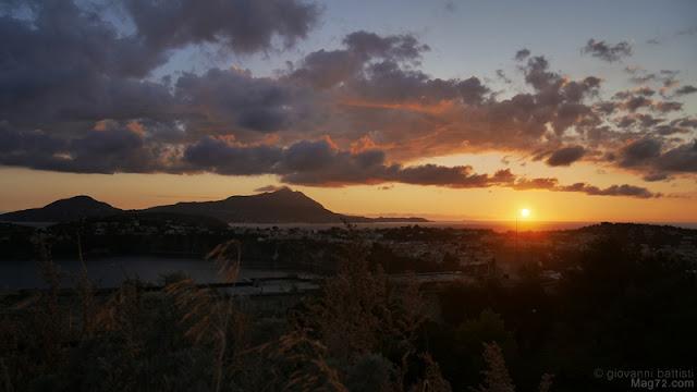 Panorama di Ischia e di Procida