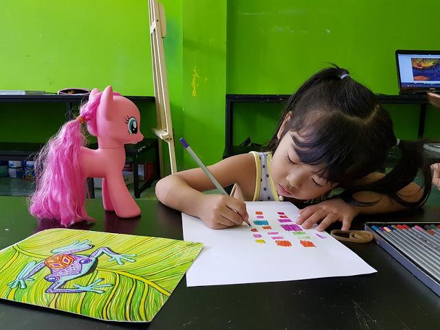 Học viên lớp vẽ Nét Ngộ