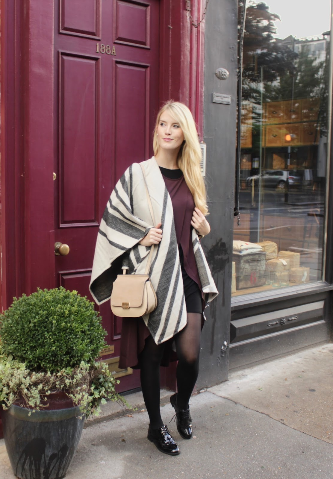 Layering Striped Cape Primark Lagenlook Zwiebellook Berry Beerentöne Notting Hill www.theblondelion.com