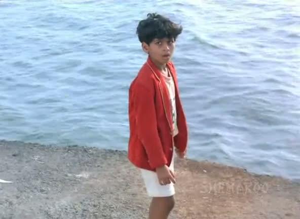 Watch Online Full Children's Film Society India's Movie Karamati Coat (CFSI) 300MB Small Size On Videoweed DVDRip