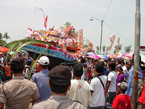 Wisata Pemalang - Tradisi Sedekah Laut, Baritan