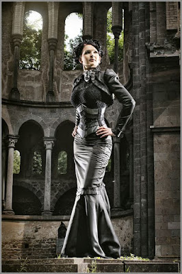 Steampunk fishtail skirts are based on victorian era mermaid and trumpet skirt.