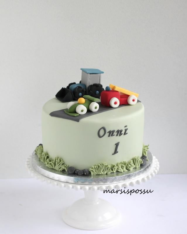 Autoaiheinen kakku 1-vuotissynttäreille