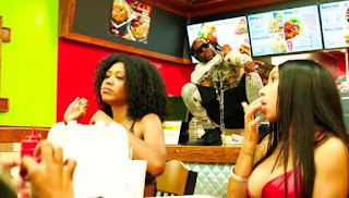 Video 2 Chainz Hot Wings