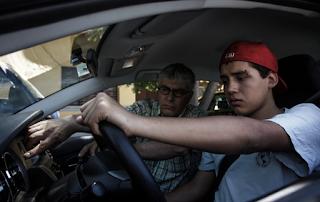 Ψήφισμα: Συμφωνείτε να δίνονται διπλώματα οδήγησης σε 17χρονους;