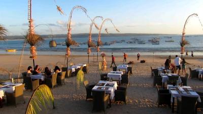 pantai jimbaran objek wisata bali dengan khas kuliner Tempat wisata di bali yang wajib anda kunjungi, wisata indonesia terbaik di bali, wisata bali terunik, pemandangan bali wisata terindah, visit bali parawisata terindah, tempat wisata terbaik di bali, bali visit place terbaik