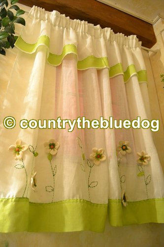 country the blue dog Sartoria d\'interni: tende country panna e verde