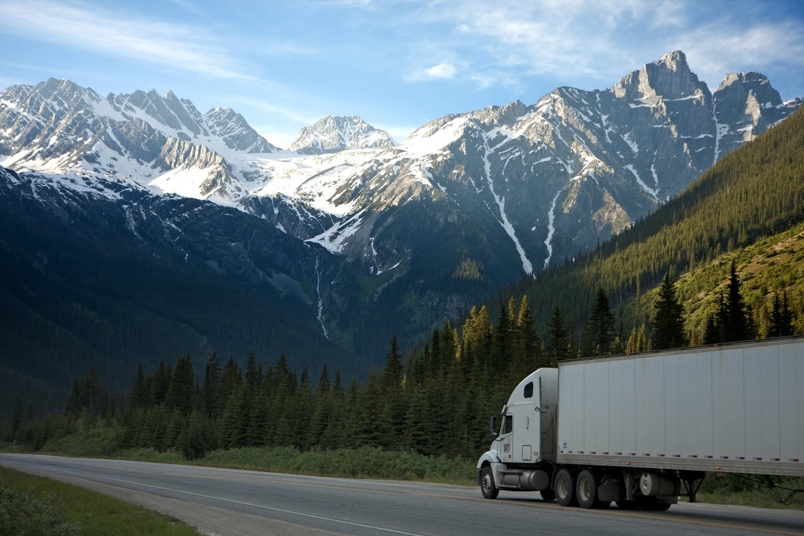Buying Semi-Trucks for Your SMB'S Fleet? 5 Things to Check for