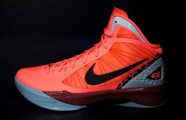 c70319ad79d Wake N Lace  Nike Zoom Hyperdunk 2011 blake Griffin