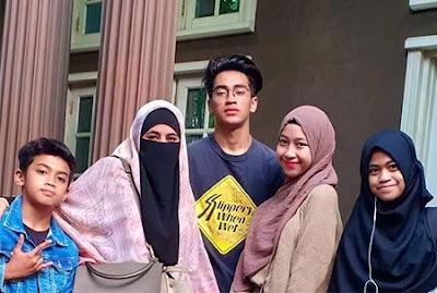 Abidzar Al Ghifari dan Keluarganya