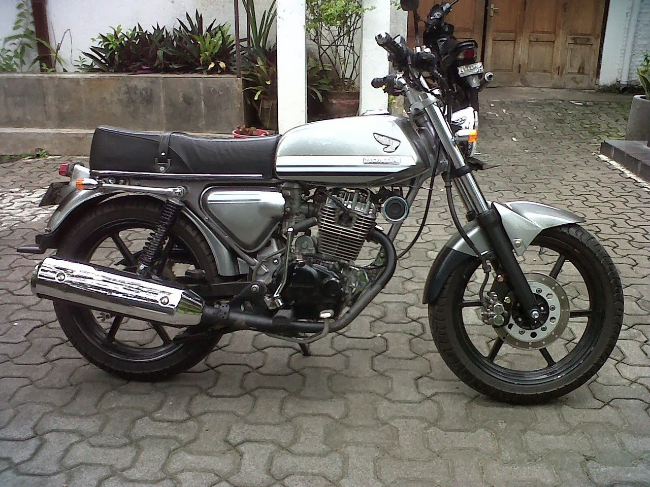 Modifikasi Motor CB 100 Klasik  Modifikasi Motor Wallpaper HD
