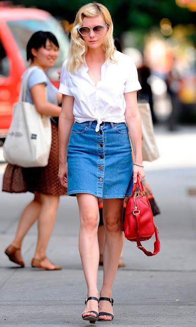 Cách phối đồ với chân váy jean và áo sơ mi